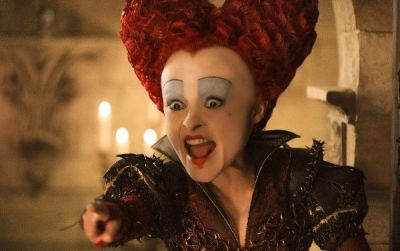 недавно подружились с красной королевой в знак примерения решил её сфотать,но она увидела мышь